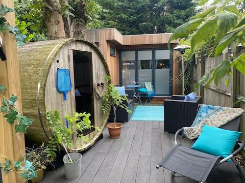 Przytulny pensjonat z 1 sypialnią i wanną z hydromasażem i sauną