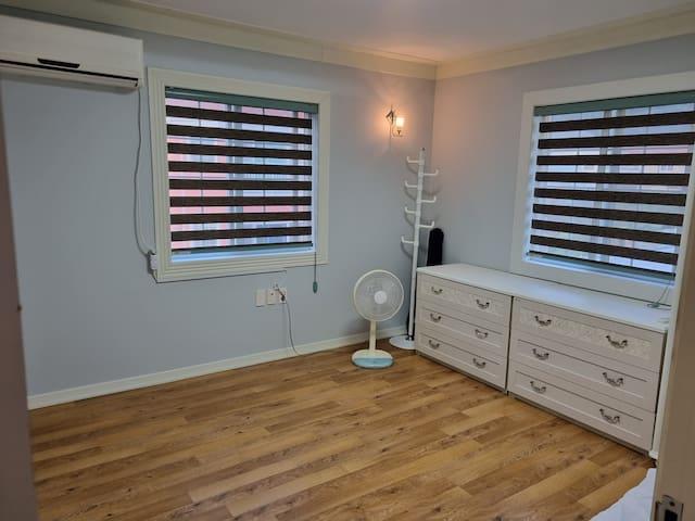 새롭게 단장한 침실2(2층)