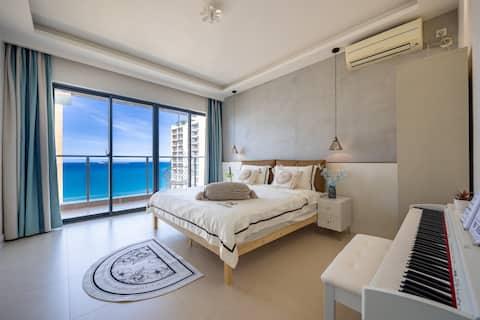 【 祈宿·米哈斯的白色浪漫】推窗面海·海景3居室轻奢风/120寸超大家庭影院/家庭度假优选/椰梦长廊
