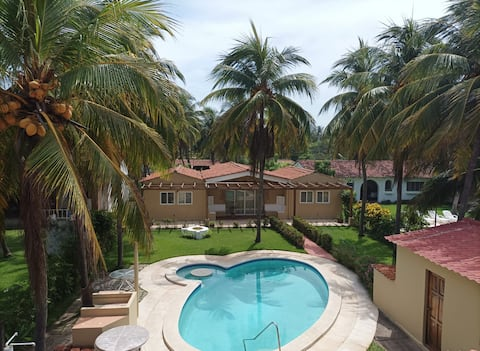 Rancho frente a playa en Costa Azul