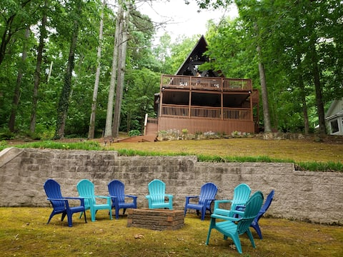 Cozy Lakeside A-Frame Sleeps 8 - Bring the Boat!