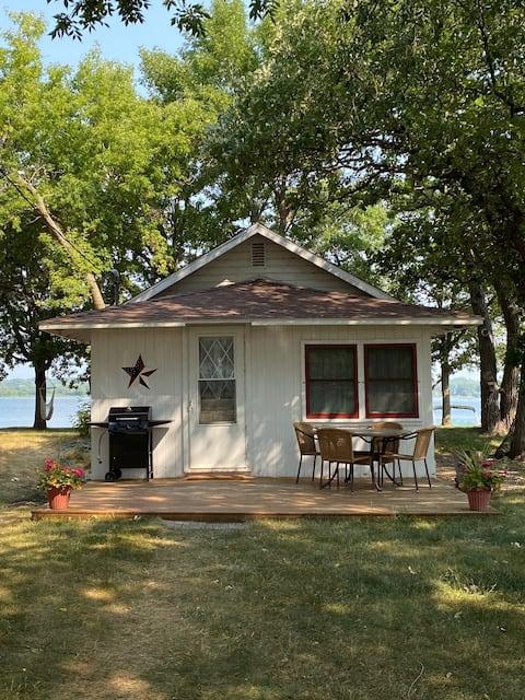 Lake Minnewaska Cozy Cabin