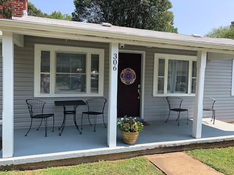 Gordonsville Getaway -3 bedroom, centrally located