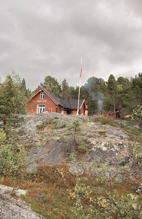 Koselig  hytte med nydelig utsikt.