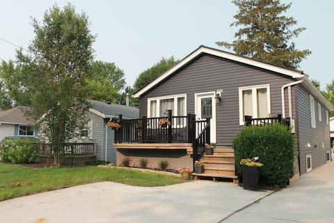 Smitty's Lake House Retreat
