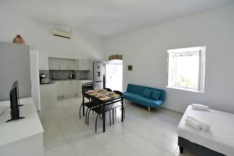 Arco II | Cosy Central Studio | 4min from Port |