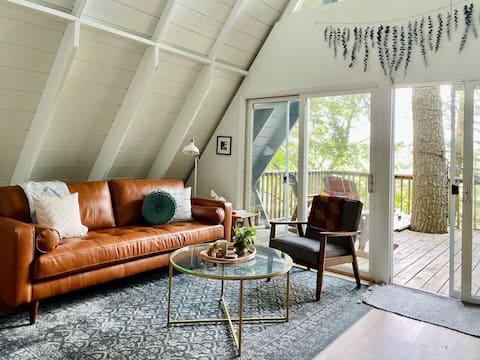 Drift House, a peaceful a-frame retreat