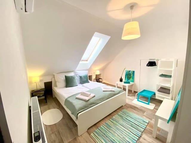 Hálószoba 1 - kényelmes ágy, klimatizált levegő