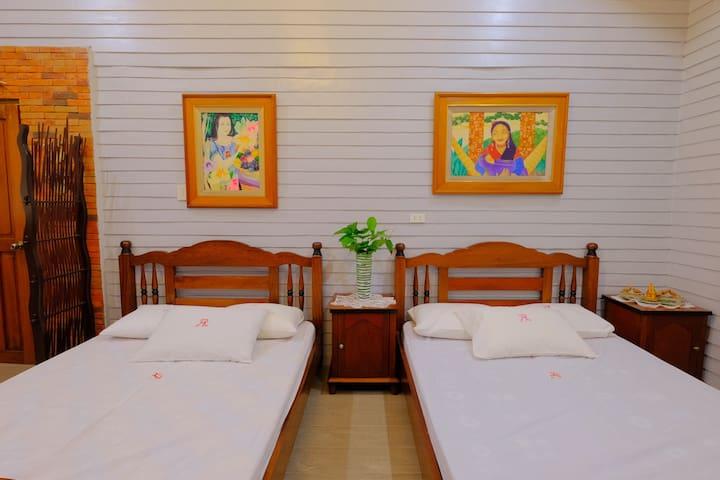 Queen Beds at Villa 2