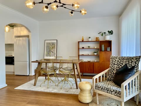 LUXE freshly renovated 2BR treetop view apartment