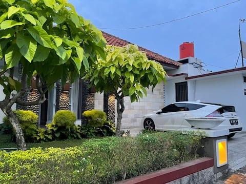BALI Luxury Guest House Purwokerto