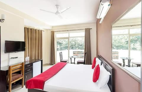 First Choice Guest House - Stay on your budget.