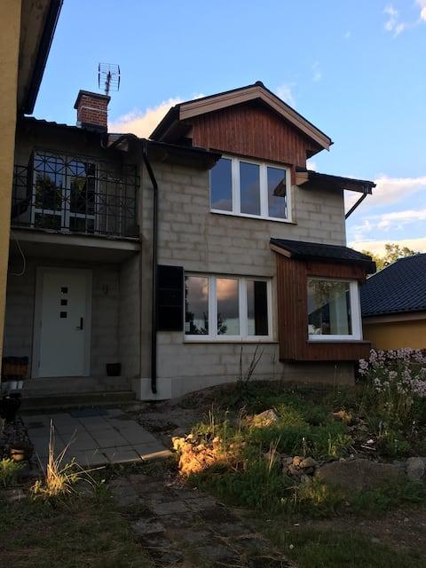 Trevligt hus i Karlskrona, 500 meter från badsjö