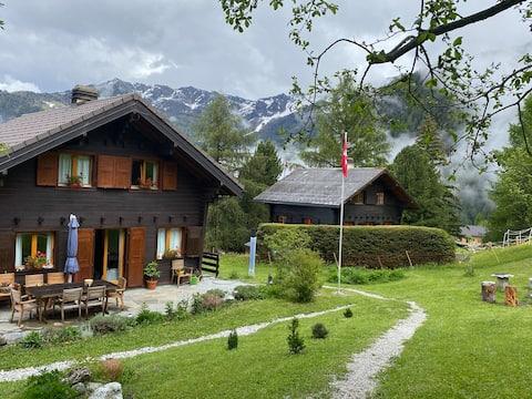 Agreable chambre d'hôte avec belle terrace et vue