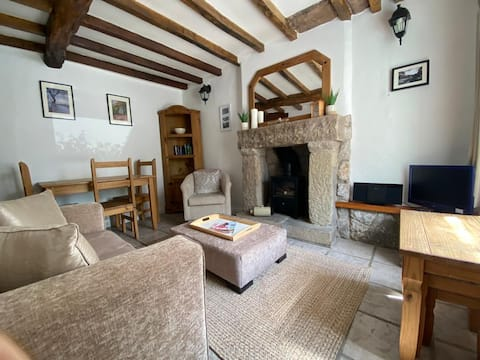 Cosy 2 Bedroom Cottage with Garden
