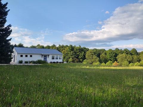 Blue Kettle Cottage -  Fall Color Vistas