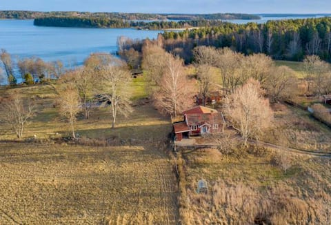 Cabin on the countryside close to lake Mälaren
