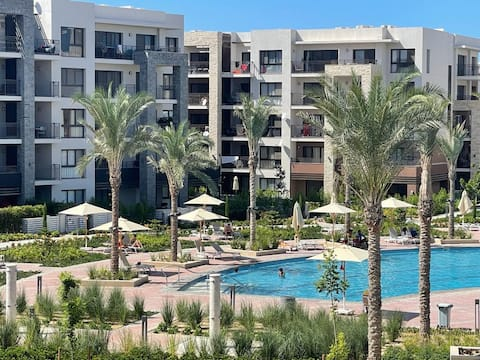 Pool AND Marina View - 1 Bed Apartment, Marassi