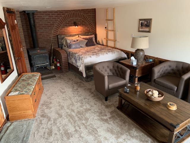 Inside the Cottage you will find a  comfortable and cozy retreat waiting for you...perfect for winding down after a day of adventures