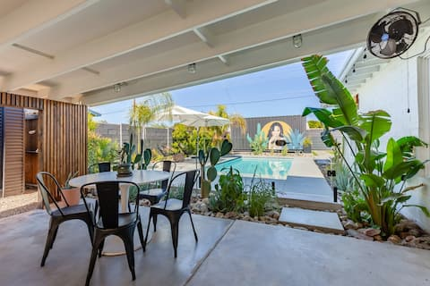 MODERN OASIS | Old Town Home w/ Private Pool & Gym