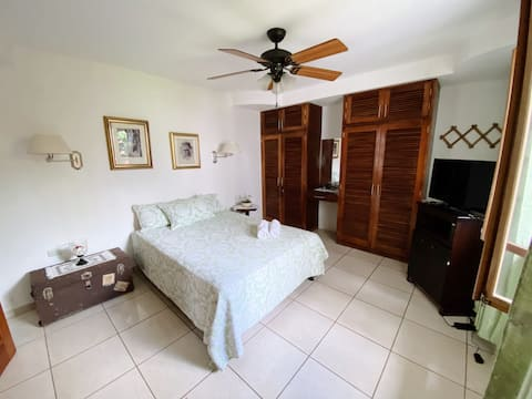 Cozy bedroom with hot-tub in Jinotepe, Carazo
