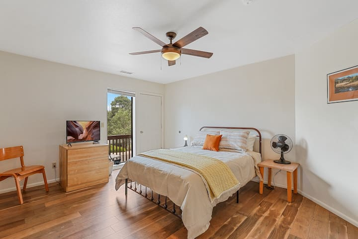 The Second Bedroom has a queen bed, tv, and its own private balcony.