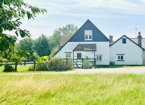 Idyllic cottage on a private farm South Downs Park