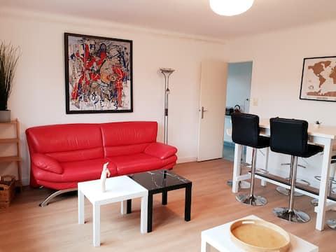 Bel Appartement Vue Jardin Lumineux Centre Cébazat