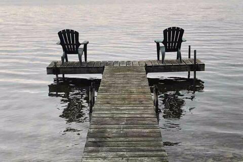 Presqu'ile Cottages-waterfront#1
