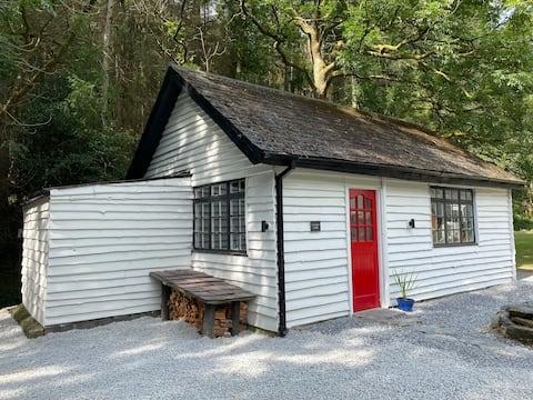 Cuckoo Cabin, Tyn Y Cwm