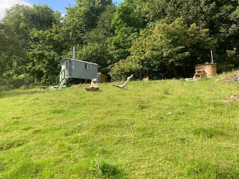 Secluded Shepherd's Hut with Wood-Fired Hot Tub