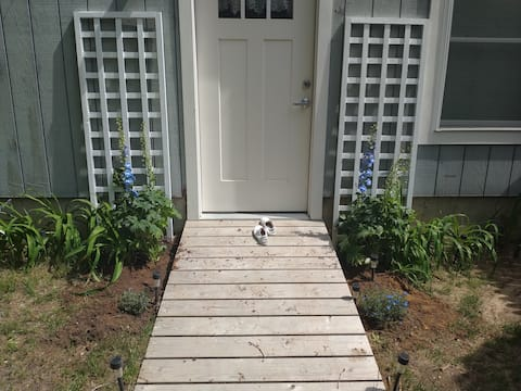 Garden Studio with private entrance