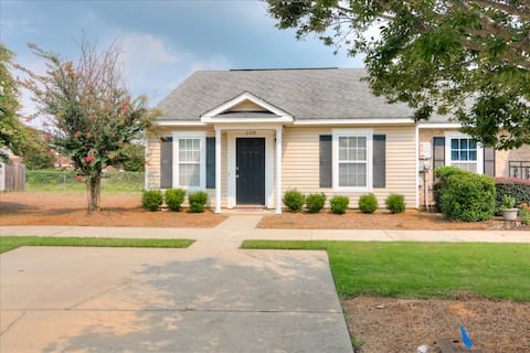 Entire Townhouse in North Augusta for 1-4 people