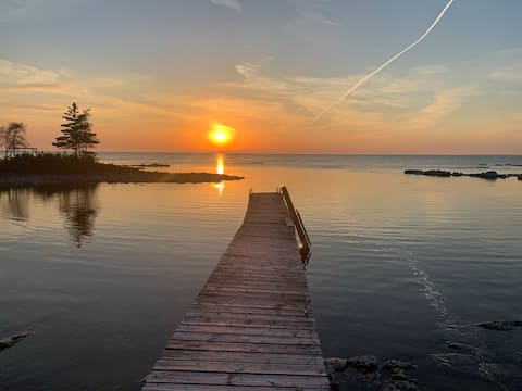 Cape Cottage -  Waterfront on Lake Huron