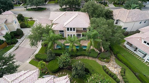 Upscale luxury home in gated community waterfront