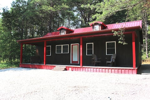 The Bears Den at Pine Valley Cabins