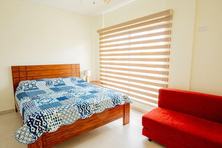 Cuarto 3, incluye cama de 2 plazas y un sofá cama