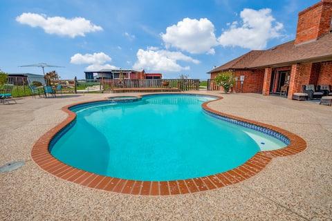 Texas Farmhouse on 10 Acres with Pool