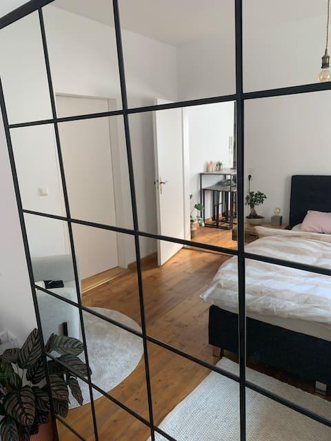 Mainz: helle, gemütliche Wohnung mit Terrasse