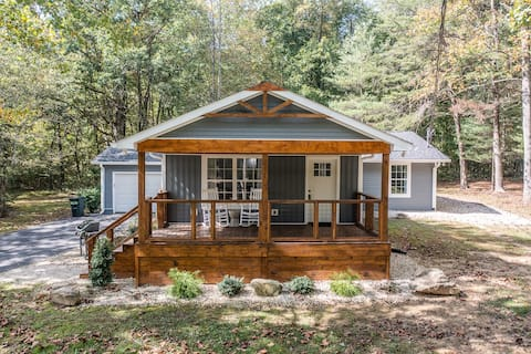Luxury retreat in the heart of Monteagle!