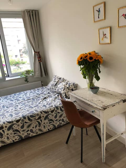 Cosy room next to the canal in Mechelen