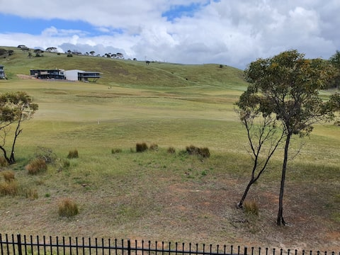 Newly built holiday home in middle of Golf Course