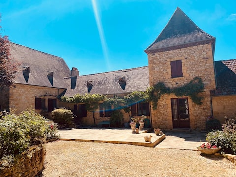 Pavot Gite with heated swimming pool
