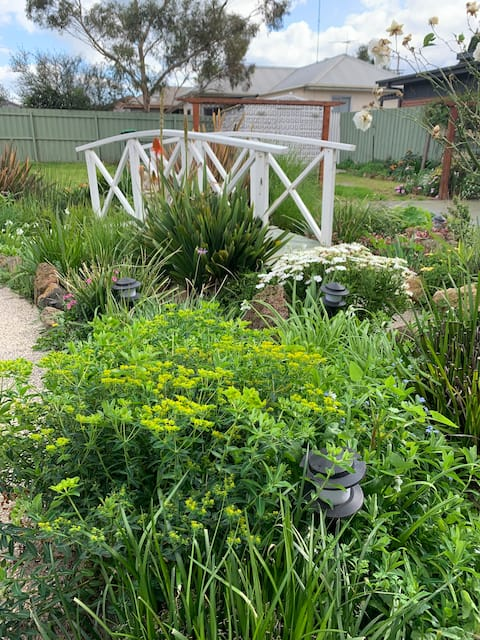 Gateway to Geelong! Inda's Place is your home