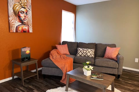 Clean, Cozy & Contemporary 1BD 7mins from Cowboys