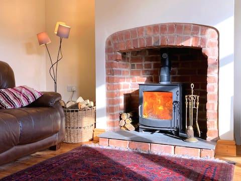 Oak House, Leyland, 5min M6 - spacious, beautiful