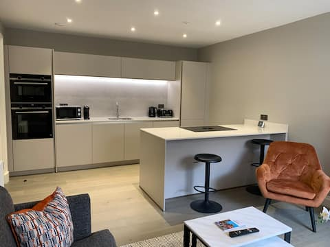 Melville St Central Luxury Apartment Free Parking