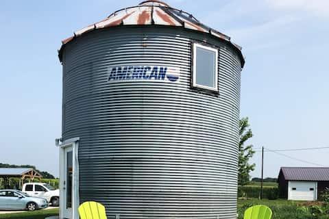 Authentic Grain Bin in the middle of a corn field!