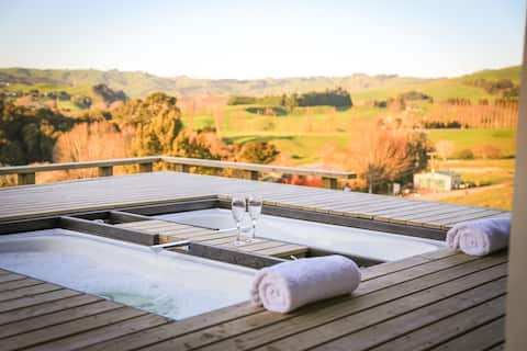 The Hilly House, Private Boutique Accommodation
