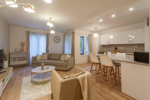 A renovat apartamentul cu un dormitor de pe insula Nantes.